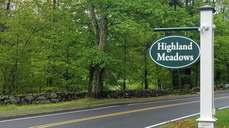 Highland Meadows Weston entrance